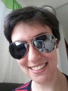 Daniela com óculos escuros bem style!