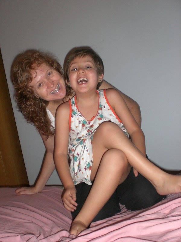 Mãe e filha enfrentaram desafios vários para vencer a etapa inicial da vida de Julia
