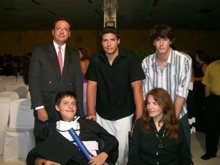 Família na formatura do terceiro colegial de Fábio