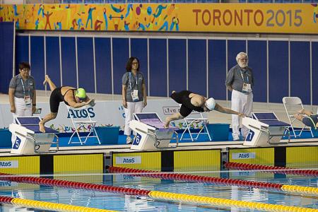 A diversidade de formas físicas é maior na natação. Gente de todas as maneiras dando o seu melhor nas piscinas