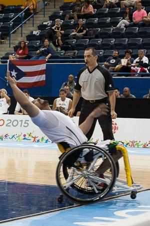 O basquete em cadeira de rodas exige flexibilidade e agilidade dos atletas
