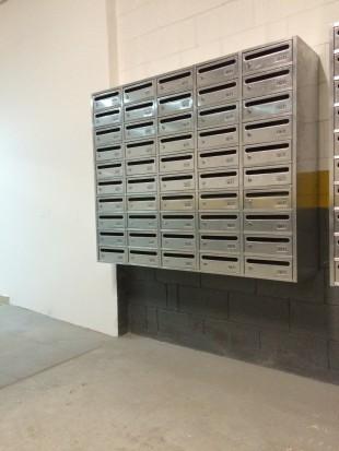 Caixa de correios em altura apropriada
